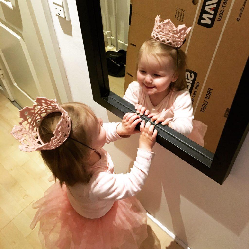 hæklet prinsessekrone